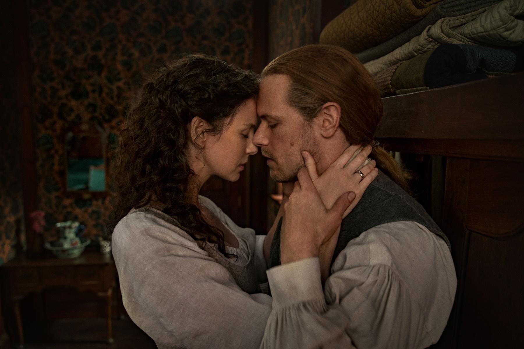 Outlander: Season 4-6 Stills + Behind the Scenes Additions